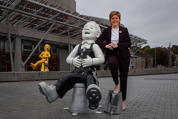 big bucket art trail launch with Nicola Sturgeon